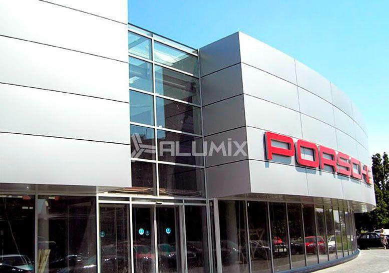 Фасадне скління автосалону Porsche