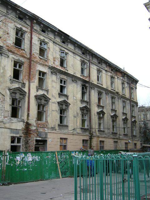 Житловий будинок на вул. Театральна, 16