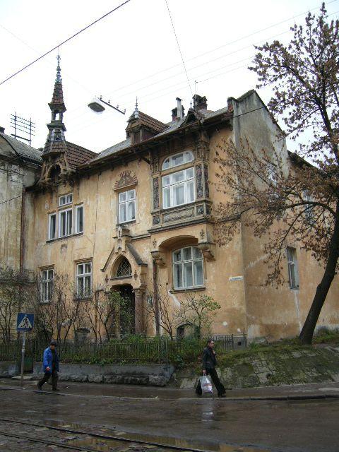 Жилой дом на ул. Хмельницкого, 56