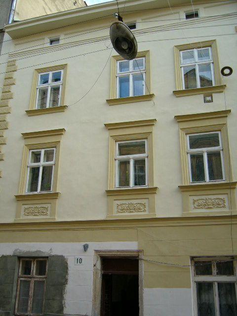 Житловий будинок на вул. Староєврейська, 10